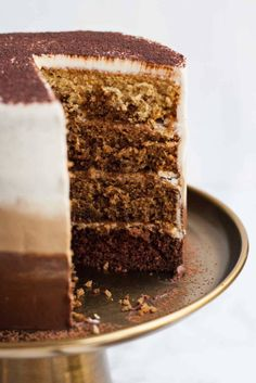 Tiramisu Layer Cake with Ombre Mascarpone Frosting - this decadent tiramisu cake is perfect for coffee addicts - it's light and flavourful and is an ideal birthday cake! Slow Cooker Desserts, Baking Recipes, Cake Recipes, Dessert Recipes, Tiramisu Cake, Love Eat, Celebration Cakes, Coffee Cake, Drink Coffee