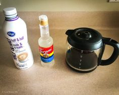 How to Make Iced Coffee at Home Recipe - Redneck Rhapsody Starbucks Drinks, Coffee Drinks, Iced Coffee At Home, Easy Coffee, Skinny Peppermint Mocha, Homemade Coffee Creamer, Coffee Ingredients, Coffee Ice Cubes, How To Make Ice Coffee