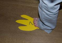 Reading and dino footprints   COULD DO PENGUIN FOOTPRINTS with sight words too