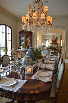 A holiday recap and leaving on a jet plane. - The Enchanted Home : A holiday recap and leaving on a jet plane. - The Enchanted Home Elegant Dining Room, Luxury Dining Room, Luxury Rooms, Dining Room Design, Dining Room Furniture, Dining Room Table, Dining Decor, Furniture Sets, Traditional Dining Rooms