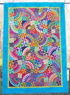 A great combination of foundation piecing, triangles on a roll. A scrap quilt. Batik Quilts, Scrappy Quilts, Paper Piecing Patterns, Quilt Patterns Free, Circle Quilts, Quilt Blocks, Quilting Projects, Quilting Designs, Quilting Ideas