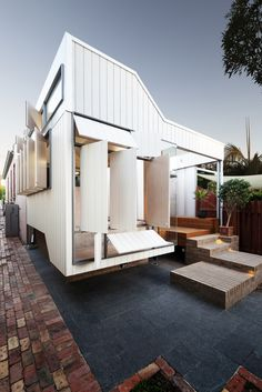 Image 8 of 21 from gallery of Bellevue Terrace Extension / Philip Stejskal Architecture. Photograph by Bo Wong Architecture Awards, Residential Architecture, Architecture Details, Industrial Architecture, Australian Architecture, Australian Homes, Small House Design, Dream Home Design, Beautiful Buildings