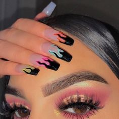 Semi-permanent varnish, false nails, patches: which manicure to choose? - My Nails Summer Acrylic Nails, Best Acrylic Nails, Pastel Nails, Acrylic Nail Designs For Summer, Acrylic Nail Designs Coffin, Black Acrylic Nails, Acrylic Nail Art, Nail Ideas For Summer, Colourful Acrylic Nails