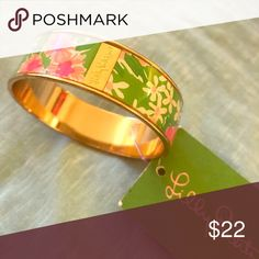 """Lilly Pulitzer bangle Never worn. NWT. Gold plated. Perfect gift. Mother's Day is around the corner 💐!! """"Everything Nice"""" print 🌼 Lilly Pulitzer Jewelry Bracelets"""