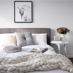 Keeping warm in our little abode away from home this weekend - looking at my guest bedroom is making me feel snuggly and ready for bed!