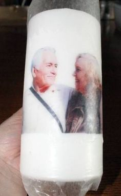 How to Put a Picture on a Candle with Wax Paper - Fabulessly Frugal Candle Picture, Photo Candles, Hobby Photography, Photography Gifts, Photo Bougie, Glass Transfer, Wood Transfer, Transférer Des Photos, Wax Paper Transfers