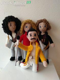 Crochet For Boys, Amigurumi Doll, Crochet Dolls, Cool Bands, Beatles, Free Pattern, Teddy Bear, Queen, Knitting
