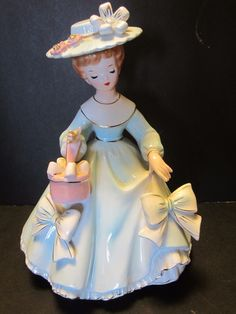 "STAUFFER ORIGINALS 8 ¼"" LADY FIGURINE STICKER # S8680 RIBBONS hat box Vintage"