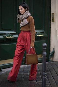 gettyimages 648391220 How to Pull off Clashing Colors Like a Street Style Star