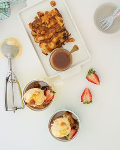 Receta Fácil de Pudín de Pan con Helado de Macadamia y Salsa de Caramelo Casera – Sagrario Matos, La Señora Bonita  #pudindepan #breadpudding #breadpuddingrecipe #breadpuddingsauce Skinny Taste, Flan, Desserts, Brunch, 4 H, Homemade Caramel Sauce, Bread Puddings, Ginger Cookies, Deserts