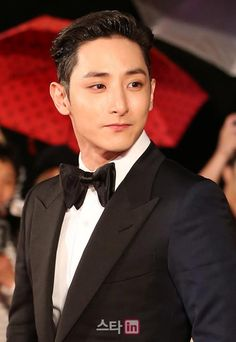 2015 Busan International Film Festival's opening red carpet »  OMG! Why so handsome, Lee Soo Hyuk?
