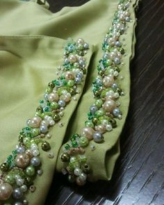 Ideas for embroidery fashion detail embellishments beading Flower Embroidery Designs, Ribbon Embroidery, Beaded Embroidery, Embroidery Stitches, Embroidery Patterns, Bordados Tambour, Tambour Beading, Do It Yourself Fashion, Lesage