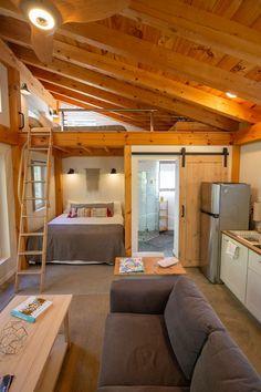 Tiny House Loft, Tyni House, Tiny House Storage, Modern Tiny House, Tiny House Living, Small House Design, Small House Plans, Tiny Guest House, Tiny Houses Plans With Loft