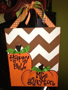 Cute DIY signs for different seasons and Holidays.