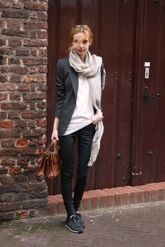 Zara blazer, COS shirt, COS jeans, New Balance sneakers, Zara leather bag (old collection), H scarf.