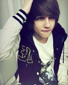Emo Hairstyles For Boy