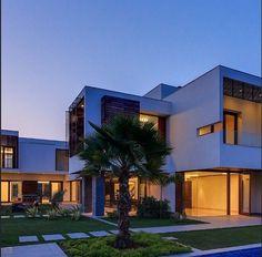 Street Style: A Geometric House