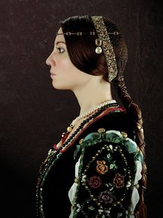 Beatrice d'Este | Beatrice Deste Photograph - Beatrice Deste Fine Art Print Renaissance Costume, Renaissance Fashion, Renaissance Fair, Italian Renaissance, Goddess Braids, Fantasy Costumes, Costume Makeup, Italian Fashion, Historical Clothing