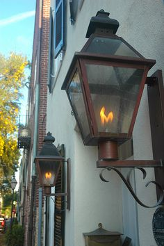 Gaslamps - Charleston, SC, via Flickr.