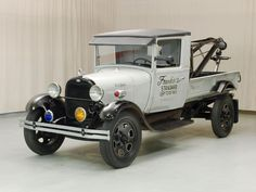 Vintage Trucks Classic 1928 Ford Model A tow truck Old Ford Trucks, Old Pickup Trucks, Tow Truck, Diesel Trucks, Ford Diesel, Antique Trucks, Vintage Trucks, Antique Cars, Ford Classic Cars