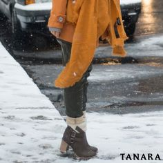 Com essas botas maravilhosas para desfilar nem o frio vai manter você dentro de casa. ;) Ref. T0281  #tanarabrasil  #shoesfirst