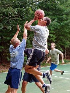 President Barack Obama plays basketball with White House staffers ...
