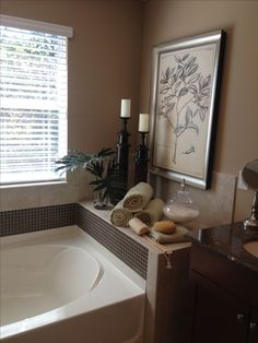 Master Bathroom - decor around tub