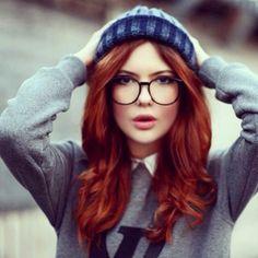 Risultati immagini per Ebba Zingmark Red Hair And Glasses, Girls With Glasses, Hair Color Auburn, Red Hair Color, Sexy Asian Girls, Sexy Hot Girls, Karin Uzumaki, Shades Of Red Hair, Fire Hair