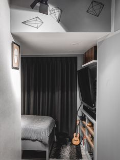 Space Saving Furniture Ideas For Small Rooms Condo Interior Design, Small Space Interior Design, Condo Design, House Design, Tiny Studio Apartments, Studio Apartment Design, Studio Apartment Decorating, Studio Type Condo, Small Rooms