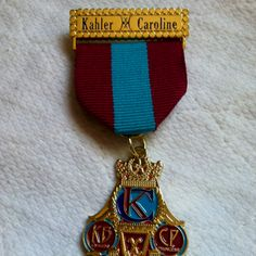 2012 Order of the Alamo Queen and Princess fiesta San Antonio Medal (ALHB) A Medal to be on the look out for to add to my collection.