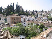 Granada - El Albaicin  es un barrio de origen andalusí, muy visitado por los turistas que acuden a la ciudad, debido a sus connotaciones históricas, arquitectónicas y paisajísticas.