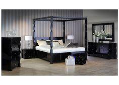 الأسلوب الفني الهندسي المتقن والراحة هي ما نبحث عنه دائما عند اختيار غرفة النوم  #غرف_نوم #مفروشات #فن #راحة #ميداس