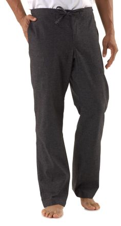 The prAna Sutra pants are hardy enough for yoga or bouldering. They keep you just as comfortable in your local coffee shop. #REIGifts