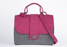 Borsa Feltro Kseniya Fucsia/grigio Macbook Bag, Diy Handbag, Handmade Bags, Bag Making, Purses And Bags, Shoulder Bag, Handbags, Love Sewing, Tote Bag