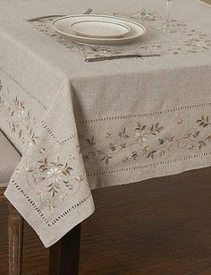 Floral Square vainica Lino Mantel: Amazon.es: Hogar Linen Tablecloth, Cloth Napkins, Table Linens, Tablecloths, Herb Embroidery, Embroidery Stitches, Embroidery Patterns, Table Runner And Placemats, Flower Background Wallpaper