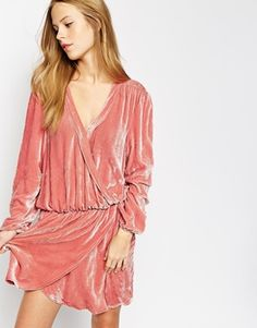 Absolutely LOVE this dress, the crushed velvet, the colour and the seventies cut... I LOVE!
