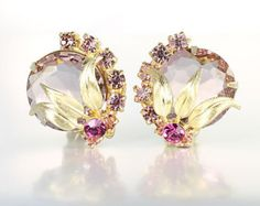 Juliana pink glass Earrings, purple pink rhinestone earrings, clip on earrings, 1960s juliana jewelry, wedding earrings