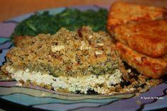 Syrahs Essen erinnert an Kindheitstage: Schlemmertofu mit Kräuterknusperkruste, dazu Spinat und Kartoffelecken. Lecker!