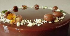 Ingredienser Solbærfromage 2,5 dl piskefløde 150 g solbær (OBS! solbærrene kan skiftes ud med andre bær) 1,5 dl pasteuriseret æggehvi...
