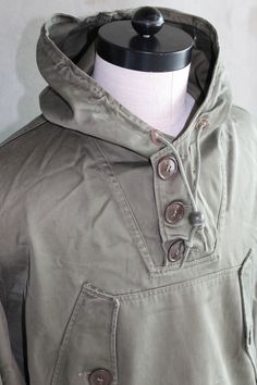 Detail, US army M43 parka, dated 1948.