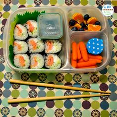 Braden would love this for lunch! Homemade sushi in an adult bento lunch! I love this ides for lunches at work or on the go! Lunch Box Bento, Packed Lunch Boxes, Sushi Lunch, Easy Lunch Boxes, Lunch Ideas, Veggie Sushi, Box Lunches, Dinner Ideas, Whats For Lunch