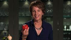 How to keep tomatoes fresh and tasty: Susan Bowerman's tomato tips | #Herbalife advice.
