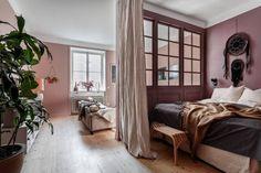 Design of small apartments Home Design, Small House Design, Design Ideas, Studio Loft Apartments, Tiny Apartments, Studio Apt, Decoration Inspiration, Interior Inspiration, Studio Interior