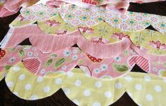 Ucreate: Raggedy Scallop Baby Quilt Tutorial