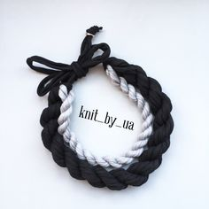 Черно-серое ожерелье trapillo Collar de trapillo  Necklace