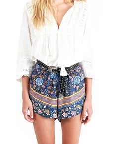 Spell and The Gypsy Collective Spell Folk Town Shorts Navy find it and other fashion trends. Online shopping for Spell and The Gypsy Collective clothing. Boho Outfits, Summer Outfits, Short Waist, Feminine Dress, Boho Fashion, Fashion Trends, Looking Gorgeous, Boho Shorts, Dress Up