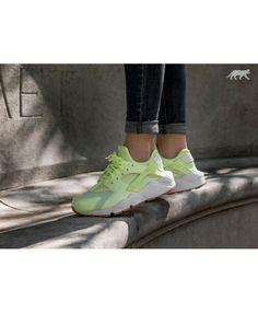 best service f4a03 80e21 Chaussure Nike Wmns Air Huarache Run Barely Volt White Gum Yellow