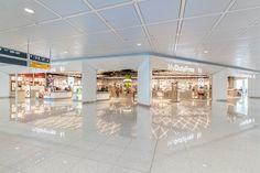 Terminal 2 Duty Free shop by Gruschwitz & Umdasch Shopfitting, Munich…