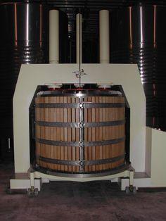 Aquí nace el vino de nuestra selección en el mes de Abril, Bodegas Allende Allende 2007 was born here, Bodegas Allende