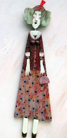 *Lynn Muir wooden figures                         https://www.facebook.com/lynnmuir.woodfigures